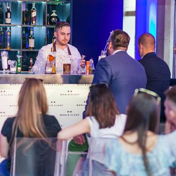 World Class Bar - zapraszają Paweł Rodaszyński  i Mateusz Szuchnik