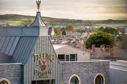 Irlandzka whiskey na stałej wznoszącej